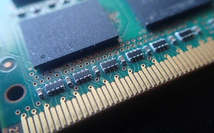Close up photo of the edge of a memory chip