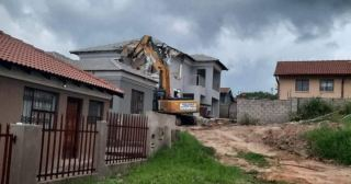 Man Allegedly Demolishes Home He Built for Bae After She Ends Things