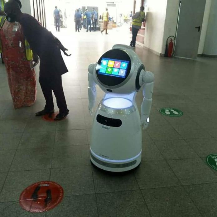 FG reportedly acquires robots to battle COVID-19 (photos, video)