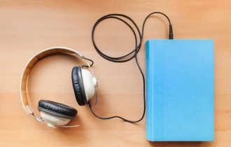 audiobook and headphones  10 tips that can help you speak English more fluently e907f8a3a277062e