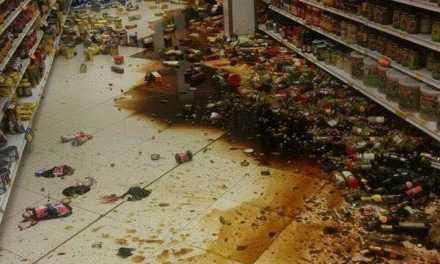 Terremoto de 7.8 sacudió Ecuador a las 19hs local