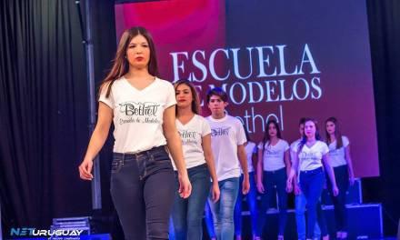 La Escuela de Modelos Bethel Spa marcó presencia en Expo Miss 15 en LATU