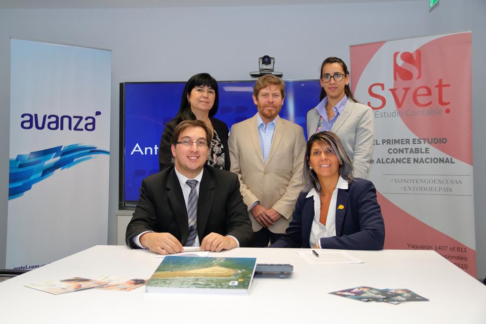 Svet y Antel firmaron un acuerdo que permitirá a las empresas clientes acceder a beneficios exclusivos