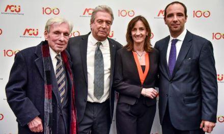 Automóvil Club del Uruguay celebró el centenario de su fundación con una gala en el Teatro Solís