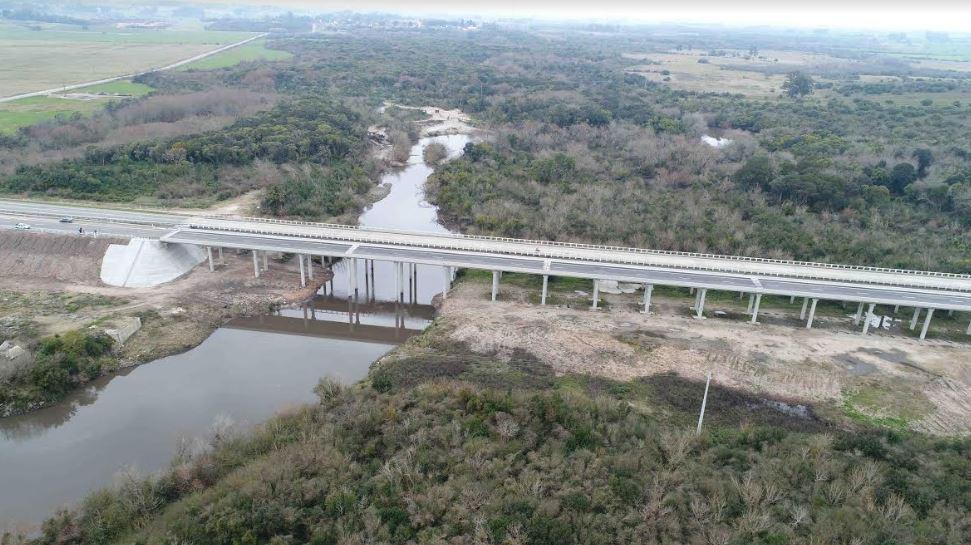 MTOP inauguró el puente número 100 construido por Saceem