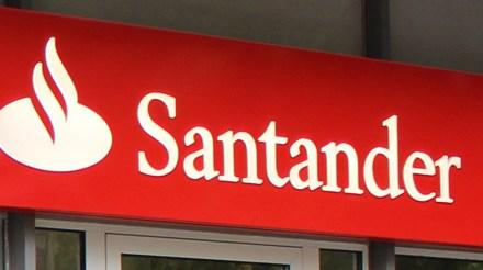 Santander sorprende a sus clientes con juegos, regalos y más beneficios durante el verano