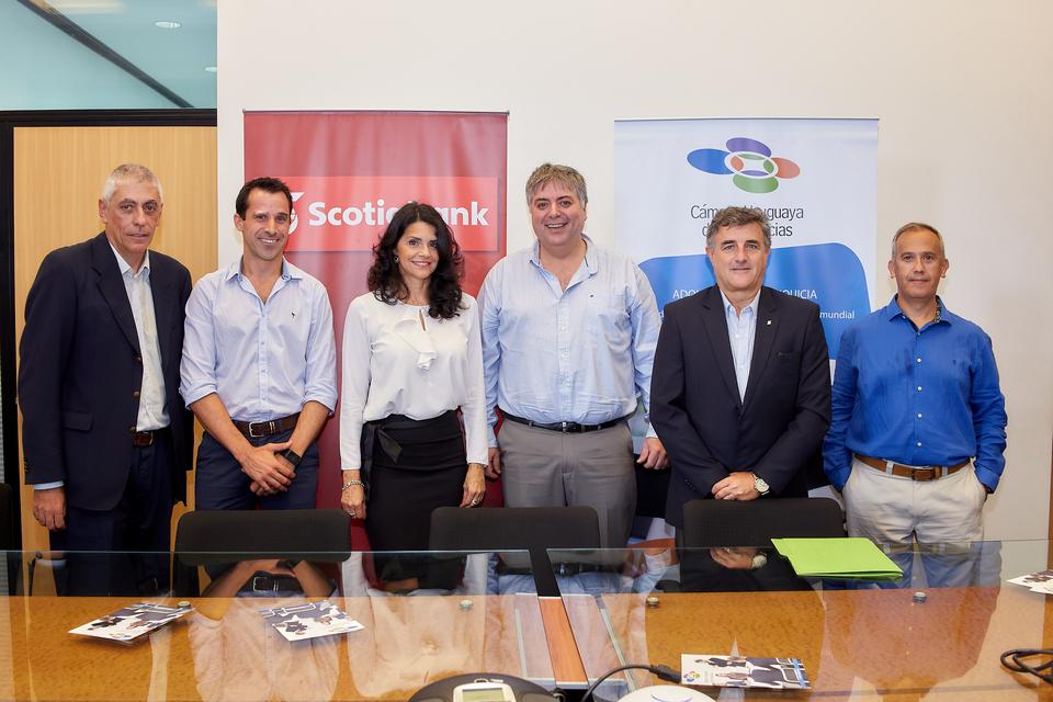 La Cámara Uruguaya de Franquicias y Scotiabank firman acuerdo histórico con beneficios para sus socios