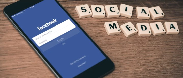 Share your posts on Social Media