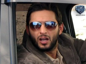 afridi-car-and-income
