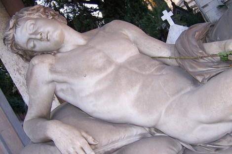 Der Mensch, in Stein gemeißelt
