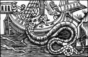 historischer Kupferstich einer Seeschlange, die ein Segelschiff angreift und einen Seemann im Maul trägt