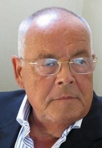 Rainer Kahni ist ein deutscher Journalist und Autor. Er lebt in Frankreich.