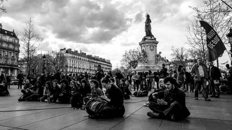 Gazette Debout: Printausgabe zum Jahrestag von Nuit Debout