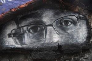 Edward Joseph Snowden Eyes - Thierry Ehrmann - flickr - CC BY 2.0
