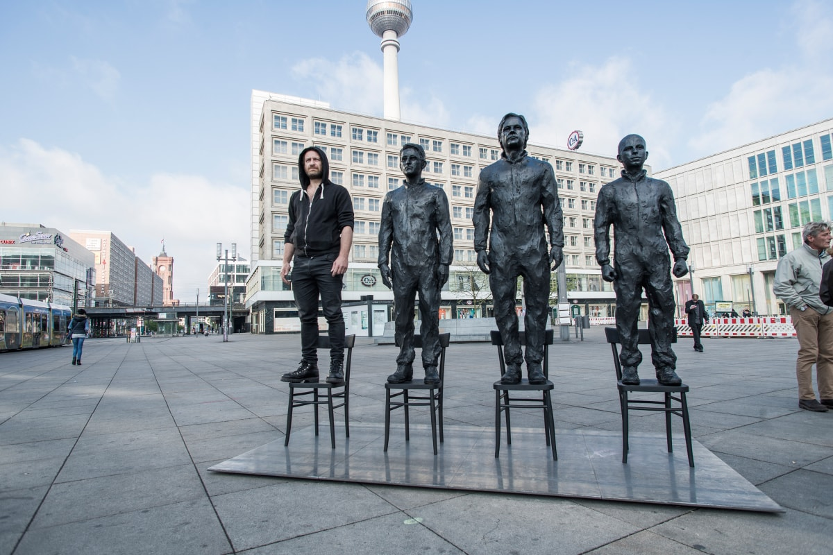 """""""Anything to say - Monument to courage"""" von Davide Dormino - CC BY-SA 4.0."""