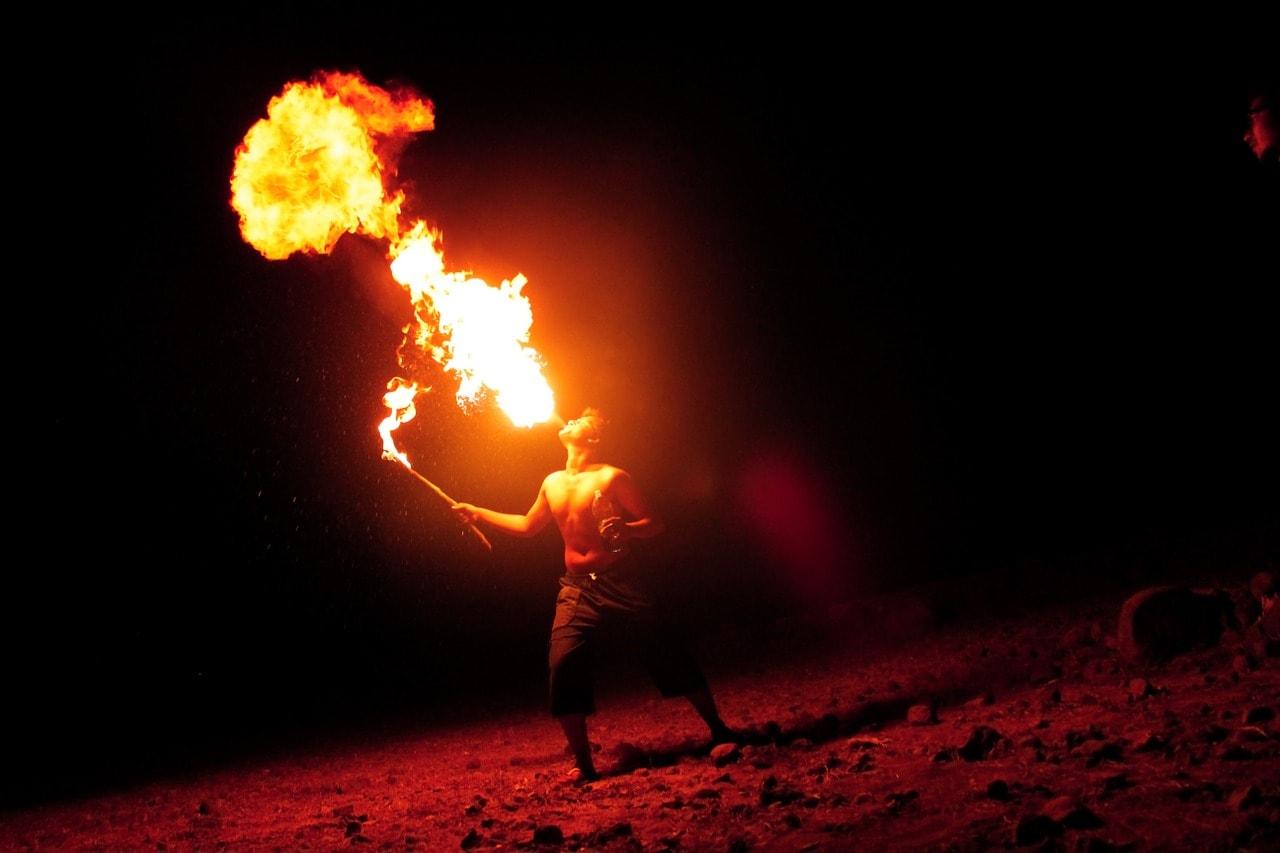 Feuerschlucker Parth Shah; Pixabay; Creative Commons CC0