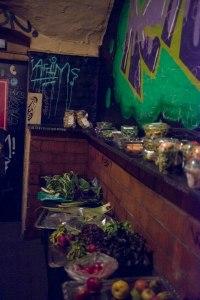 Kostenlose Lebensmittelausgabe im KuKu Wien im Rahmen der Comida Popular - Foto von Verena Tscherner