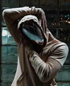 Gesicht hinter der Maske. (Foto: Alex Iby, Unsplash.com)