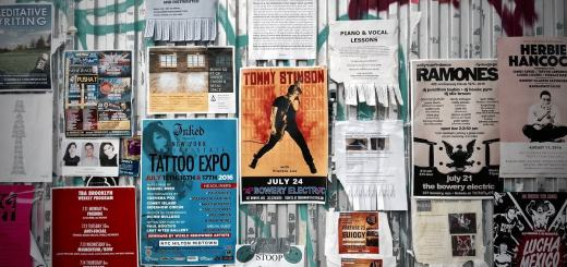 Kreativ gestaltete Plakatwand. (Foto: Yonghyun Lee, Unsplash.com)