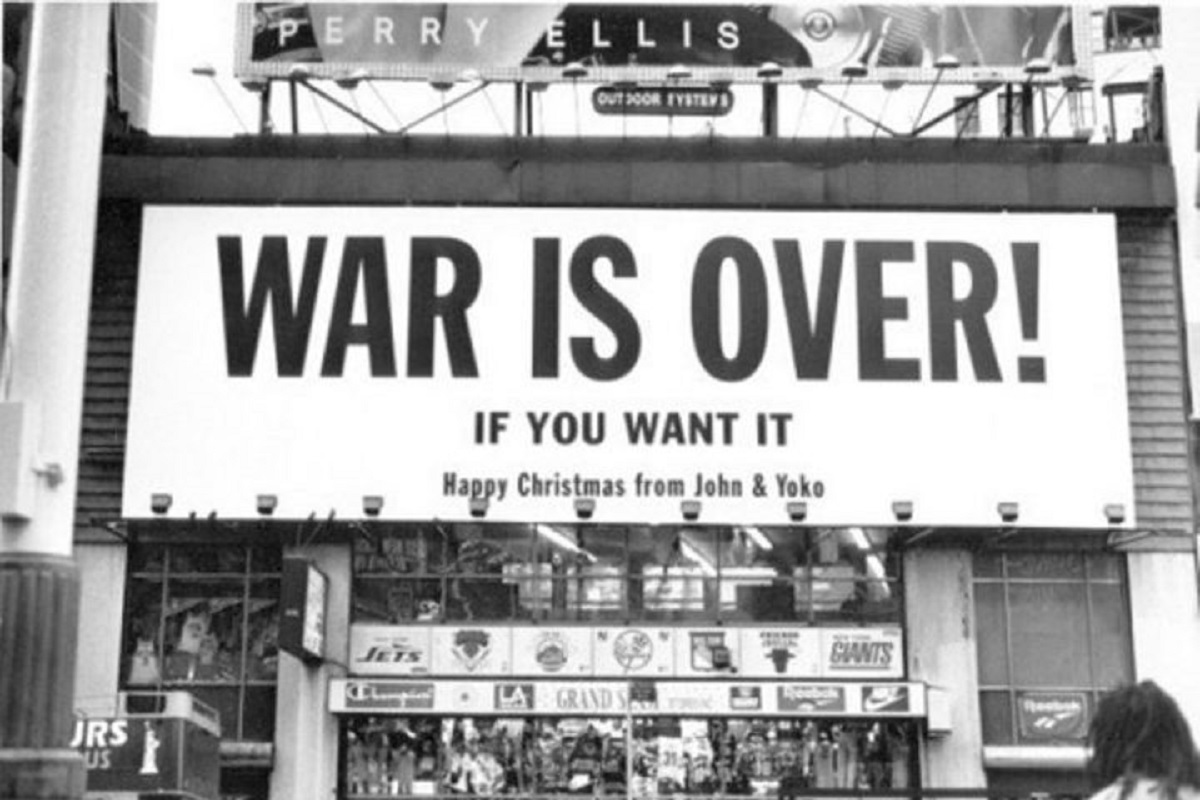 War is over - If you want it! (Foto: Pressenza)