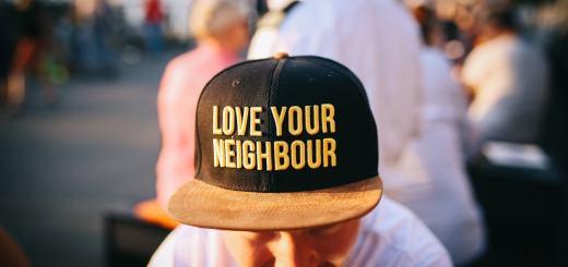 Liebe deinen Nachbarn. (Foto: Nina Strehl, Unsplash.com)