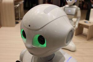 Le robot Pepper de l'entreprise Aldebaran au salon Innorobo à Lyon en 2015. (Foto: Xavier Caré,Wikimedia Commons; CC BY-SA 4.0)