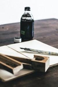 Schwaz auf Weiß. (Foto: Kira auf der Heide, Unsplash.com)