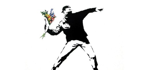 The Flower Thrower by Banksy. (Foto: flowerchucker, flickr.com, CC BY 2.0)