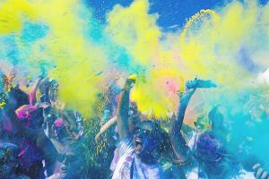 Party und gute Laune. (Foto: Adam Whitlock, Unsplash.com)