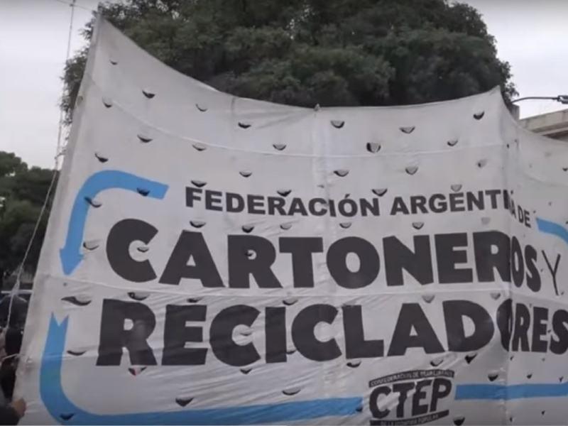 Dokumentarfilm: Sie stehlen unseren Müll – Von Lumpensammlern zu Recyclern