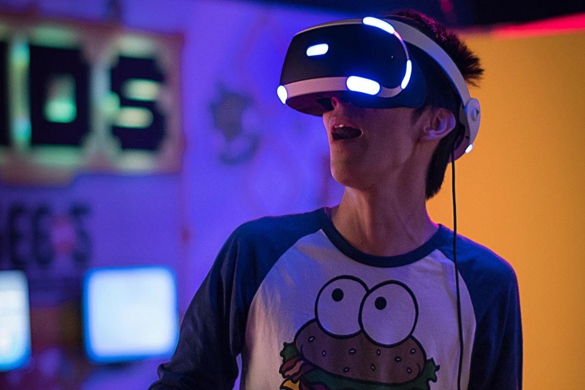 Gamer beim Spiel. (Foto: Uriel Soberanes, Unsplash.com)