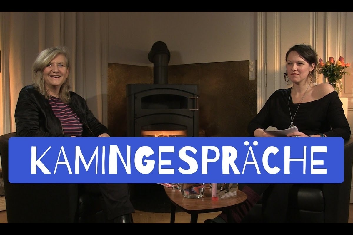 Kamingespräch mit Angelika Hager. (Foto: Idealism Previals)