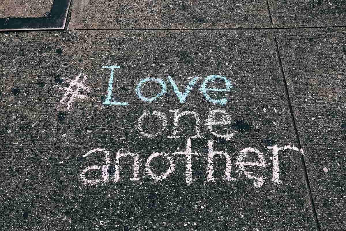 Gegen jede Form der Gewalt. (Foto: Jon Tyson, Unsplash.com)