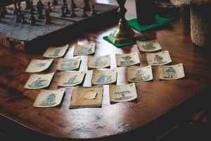 Schach oder Karten. Auf The Grand Chessboard geht es um Macht und Weltherrschaft. (Foto: Walter Lee Olivares de la Cruz, Unsplash.com)