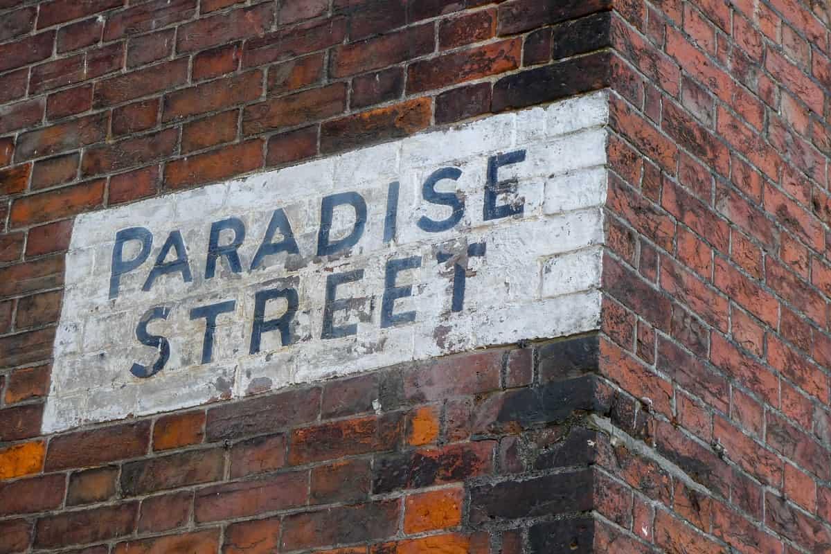Der Flipped Classroom von Neue Debatte ist wie die Paradise Street in UK. (Foto: Nick Fewings, Unsplash.com)