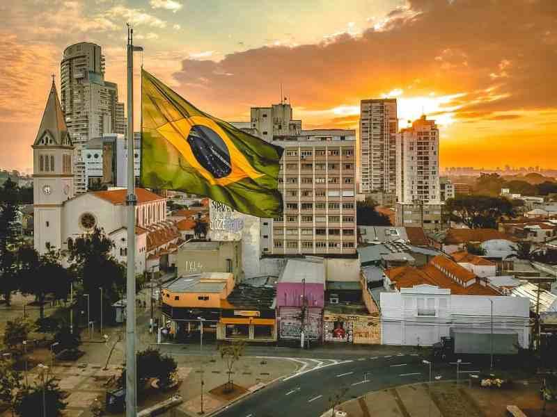Bolsonaro, das Weltgeschehen und Medien, stumm wie ein Fisch