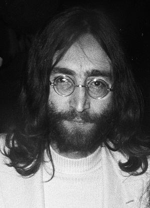 John Lennon 1969 (cropped). (Foto: Joost Evers, Anefo Auteursrechthebbende Nationaal Archief Materiaalsoort)