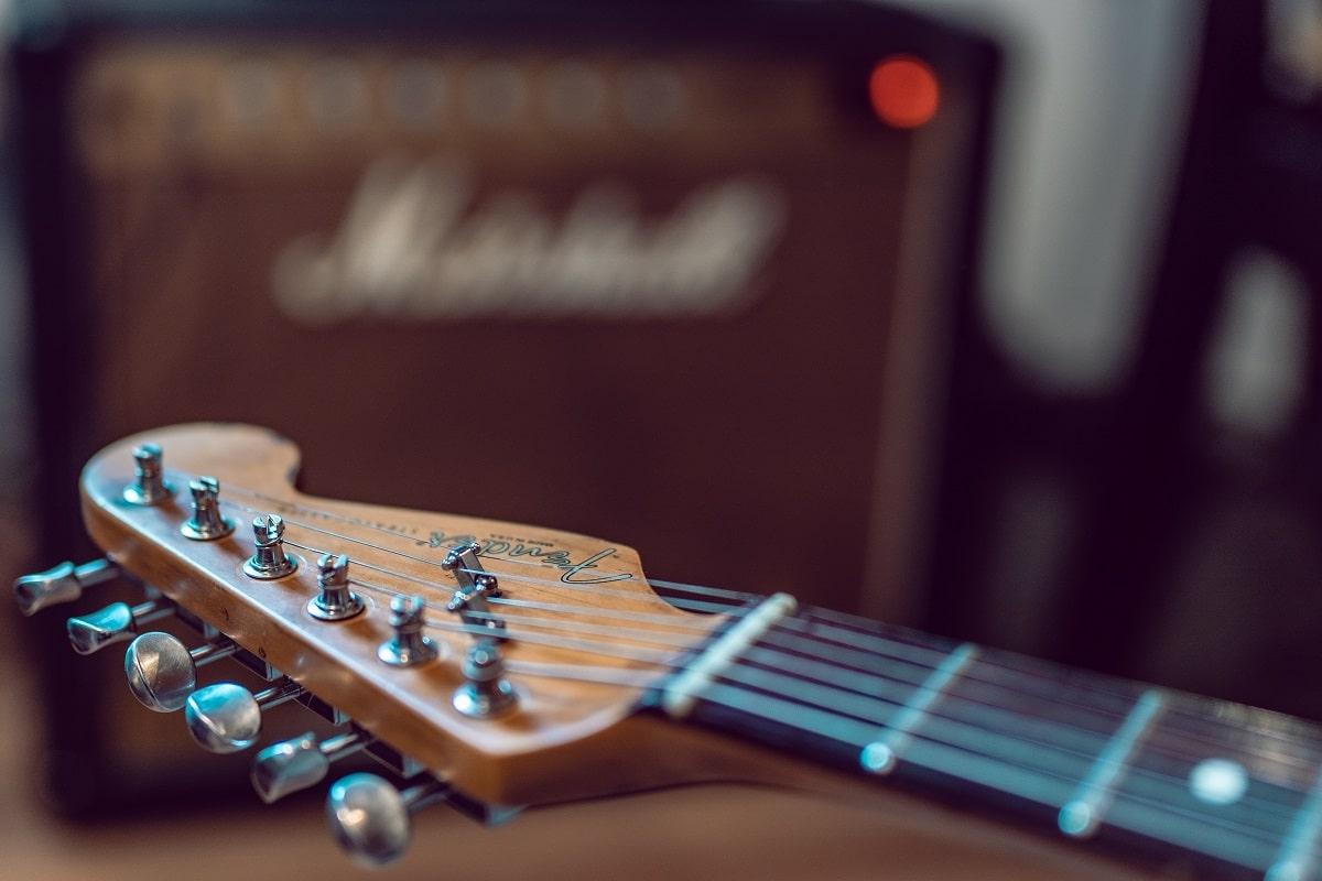 Kingfish ist Blues, gespielt mit Gitarre. (Foto: Daniel Prado, Unsplash.com)