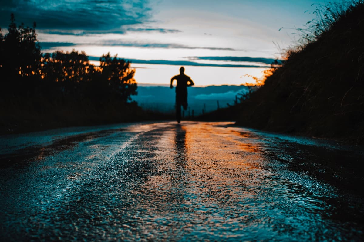 Run in the sun. (Foto: Lucas Favre, Unsplash.com)