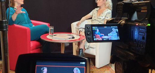 Alicia Edelweiss, Singer und Songwriterin aus Wien, war Gast bei Arts and Culture. (Foto: New Debate)