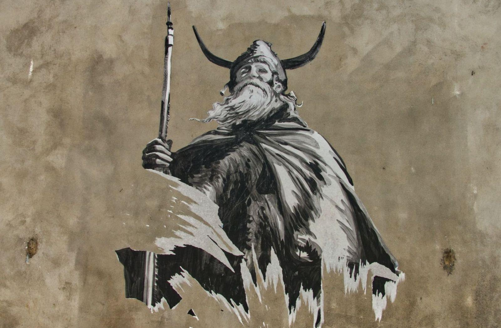 Geschichte festgehalten als Collage in Paris an einer Wand. (Foto: Pascal Bernardon, Unsplash.com)
