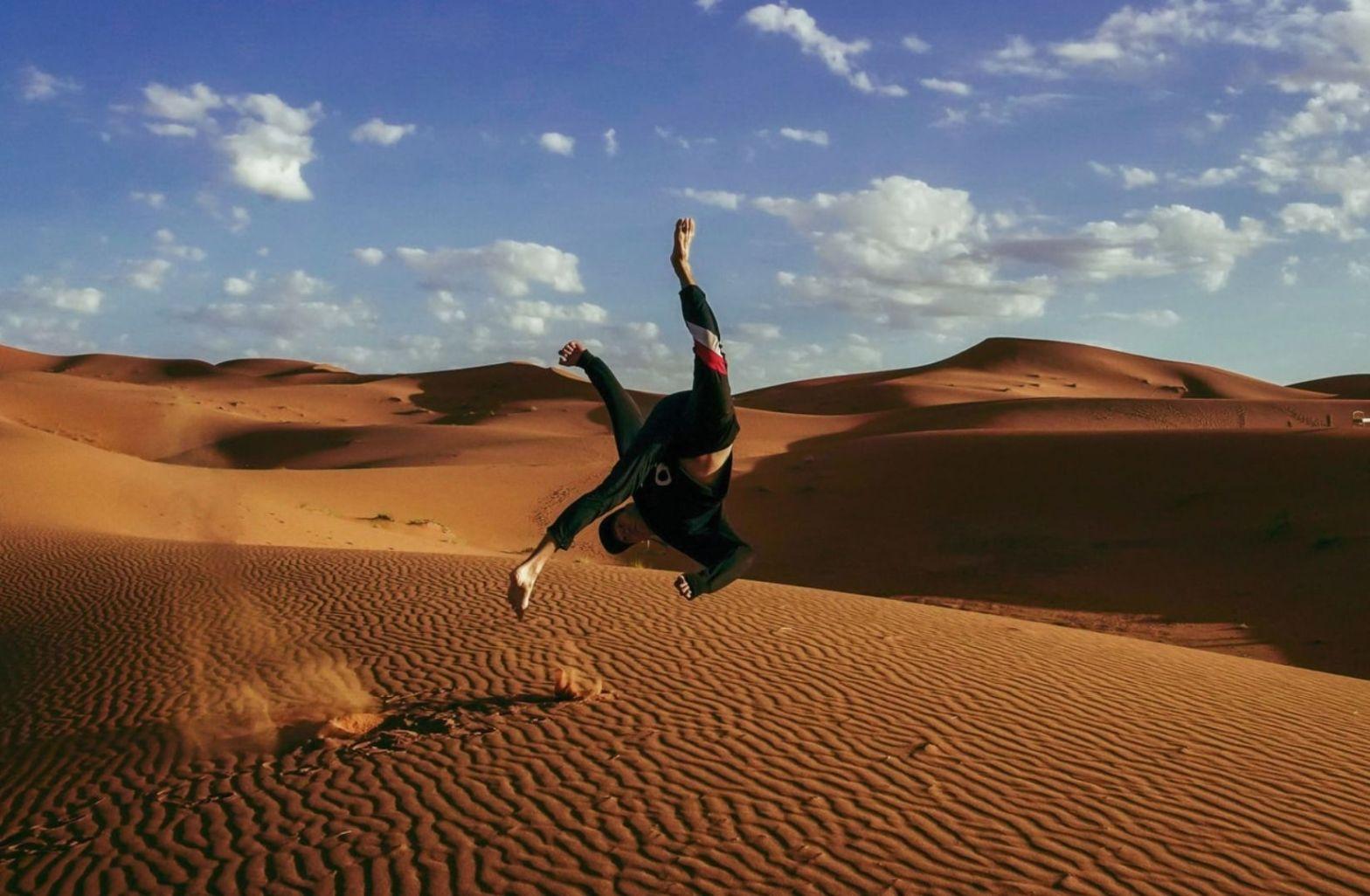 Hätte Buddy Guy einen Flip in der Sahara gewagt. (Foto: William Pei Yuan, Unsplash.com)