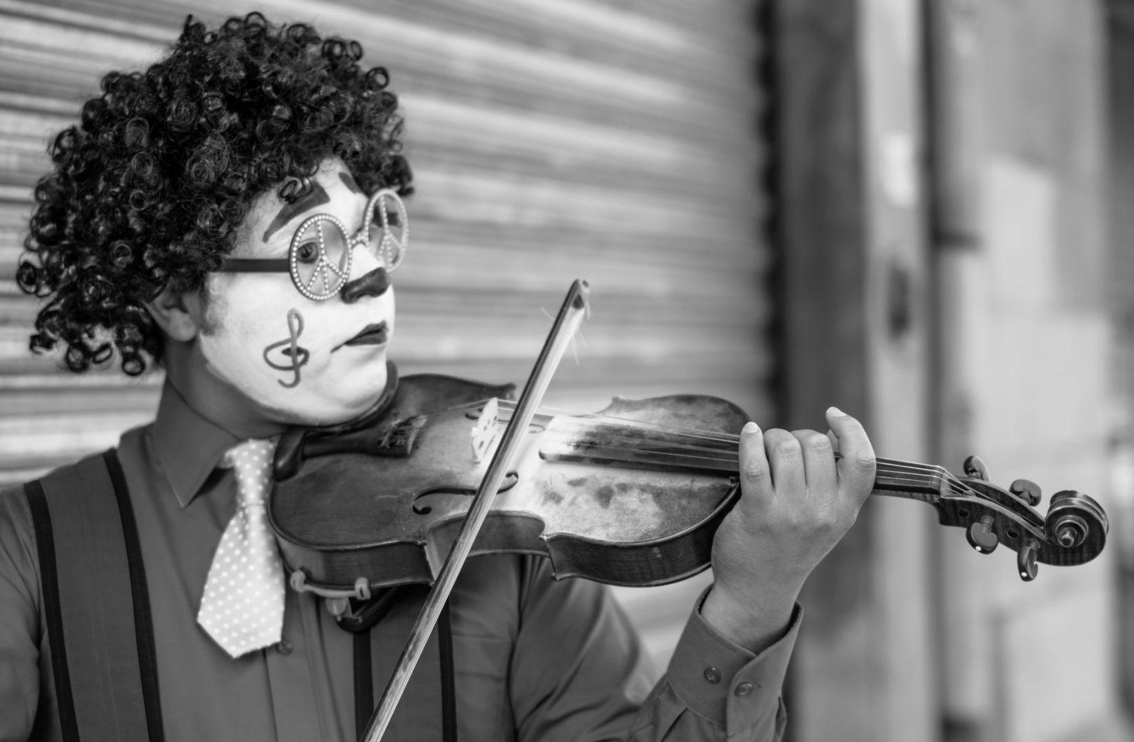 Der Entertainer ist ein Archetyp in der STAB-Analyse. (Foto: Uriel Soberanes, Unsplash.com)