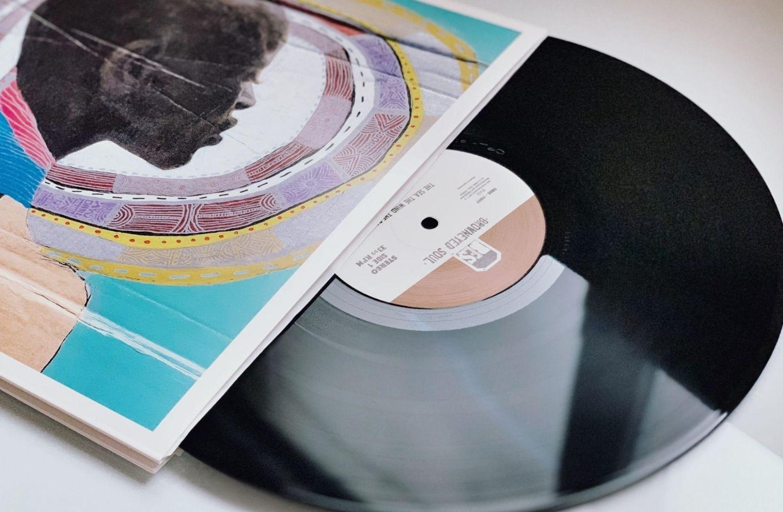 Auch im neuen Jahrhundert wird es Schallplatten geben. (Foto: Daily Choice, Unsplash.com)