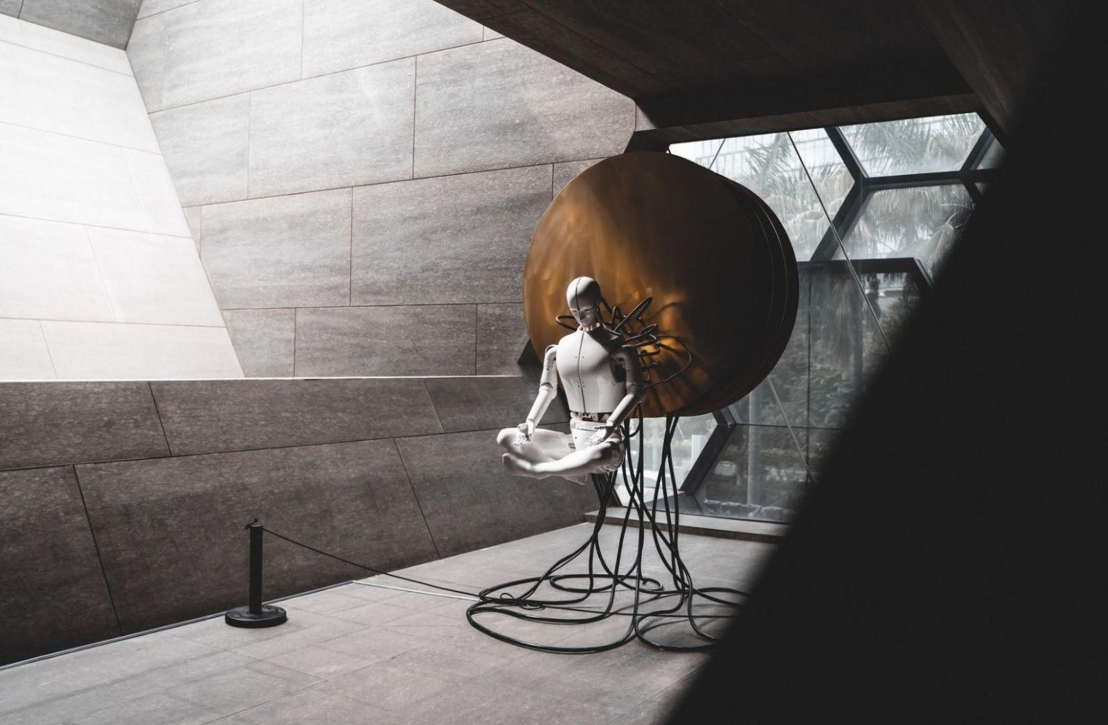 Der künstliche Mensch als Introspektion des Ich. (Foto: Yuyeung Lau, Unsplash.com)
