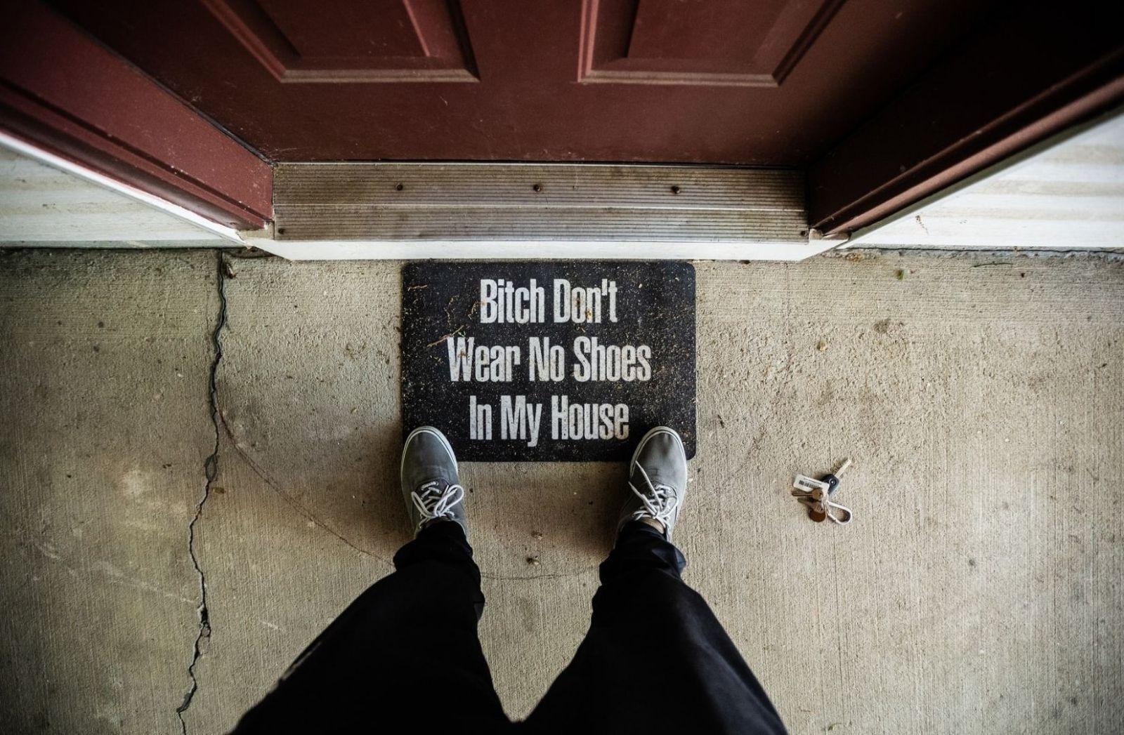 Krieg ist eine Bitch, die wir nicht im Haus haben wollen. (Foto: Derrick Treadwell, Unsplash.com)