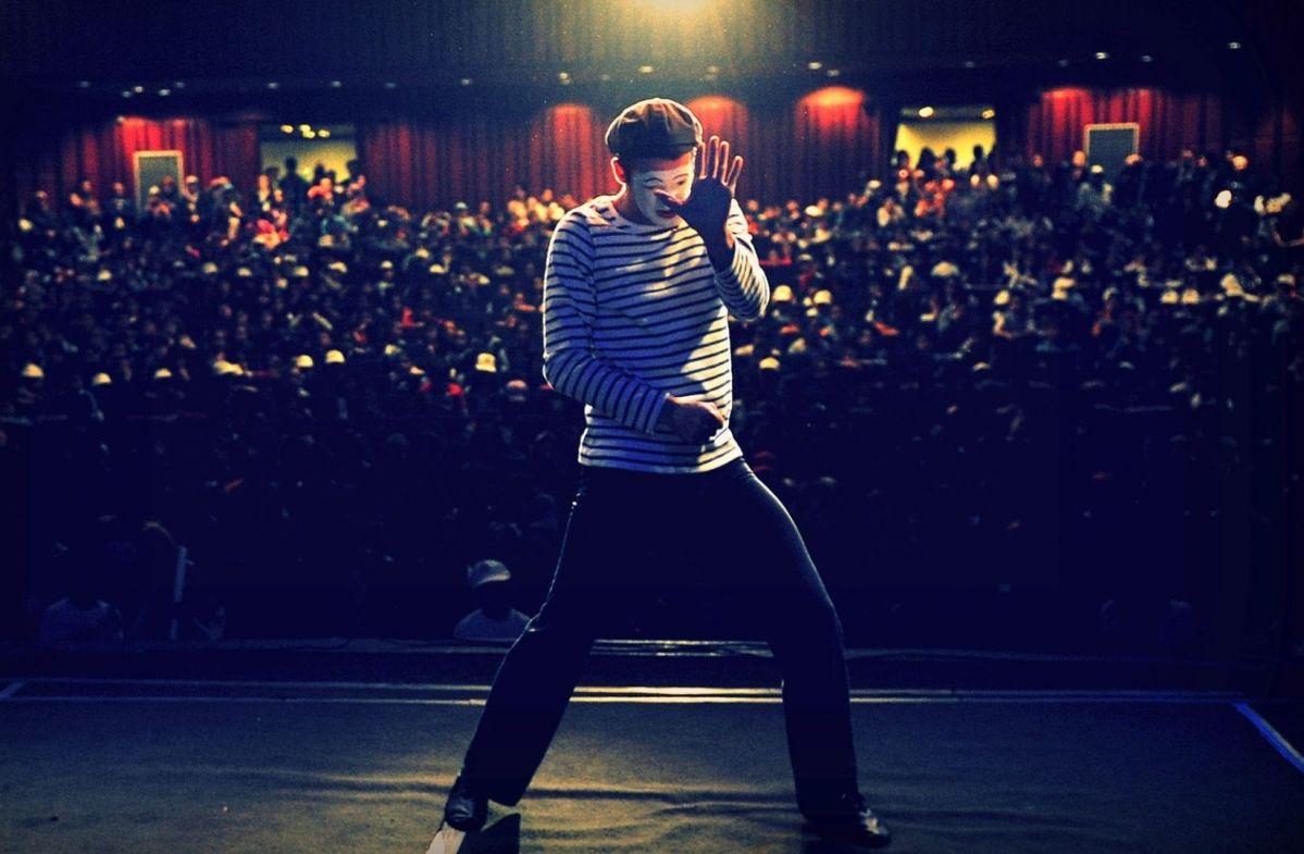 Rollback im absurden Theater oder doch nur eine Kindervorstellung. (Foto: Fatih Kilic, Unsplash.com)