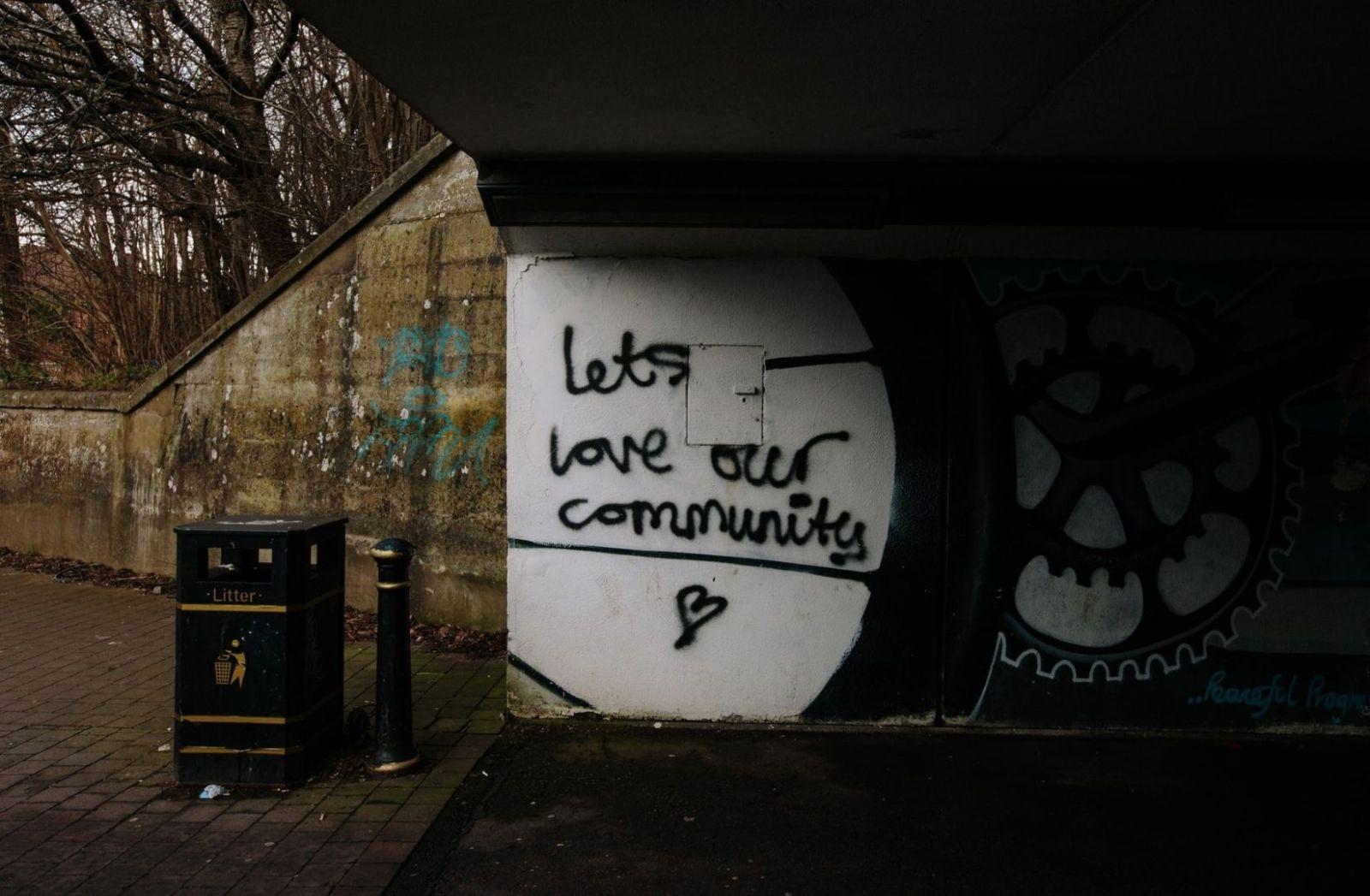 Lasst uns unsere Community lieben in der neuen Normalität. (Foto: Mike Erskine, Unsplash.com)