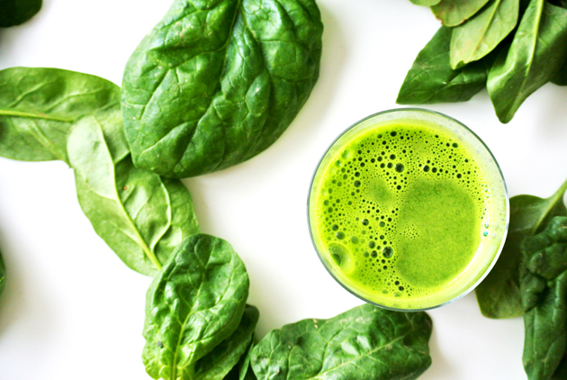 foodblog, fit essen, TCM Rezepte, Smoothie, grün, Spinat, Mangold, warmes Frühstück