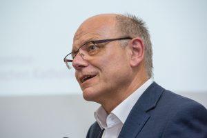 Prof. Hans-Joachim Höhn, bei einer Diskussion in der Wolfsburg im September 2016. Foto: Achim Pohl/Bistum Essen